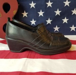 Comfortable Leather Made in Portugal Dansko shoes
